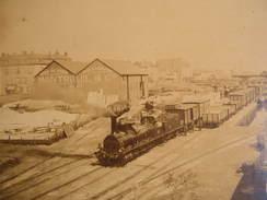 Photographie Photo Cpa 42 Loire Port De Roanne Train Gare Entrepots Montreuil Et Cie Peniches Grand Format 39cm X 28cm - Photos