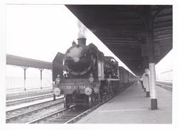 76 Dieppe PHOTO Originale Train Voyageurs Locomotive Vapeur SNCF 231 D 664 à Quai En Gare Le 2 Septembre 1961 VOIR DOS - Trains