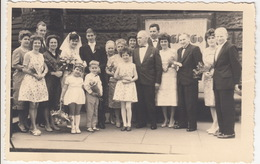 Dresden - Familienphoto, Männer, Frauen, Jungen, Mädchen Mit Blumen -  (G. Schmolke, Dresden) - Plaatsen
