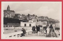 CPSM *62* BOULOGNE-sur-MER-- 1950 -La JETÉE Et La VILLE -Animation - Voir SCANNS Recto/verso - Boulogne Sur Mer