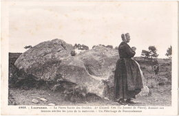 29. LOCRONAN. La Pierre Sacrée Des Druides. 6908 - Locronan