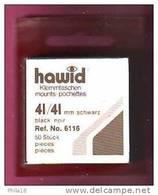 1 LOT DE 50 POCHETTES  FOND NOIR FAB. HAWID SIMPLE  SOUDURE  41 X 41 ENVIRON 30% DE REMISE - PRIX VENTE CONSEILLE 4.75 - Timbres