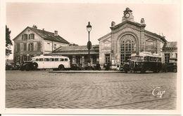 SOISSONS - Automobiles Autocars - La Gare- Cpsm Pf - Soissons