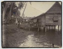 """Photo Légendée """"Lieu De Notre Débarquement Singapour  Malay States """". - Places"""