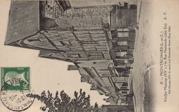 MONTRICHARD - Vieilles Maisons Et Rue Nationale - Montrichard