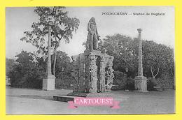 CPA INDE PONDICHERY  Statue De Dupleix  ( Dos Simple Messagerie Maritimes ) - Indien