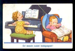 Ezf Nevezik Csaladi Boldogsagnak! / Postcard Circulated, 2 Scans - Künstlerkarten