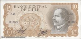 TWN - CHILE 143a - 10 Escudos 1976 Serie A 21 - Signatures: Inostroza & Barrios UNC - Cile