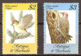 Antigua En Barbuda  1984 Yvertn° 777-778 *** MNH Cote 11,25 Euro Faune Oiseaux Vogels Birds Hautes Valeurs - Passereaux