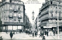 N°58781 -cpa Amiens -place René Goblet- Crédit Du Nord- - Banques
