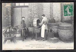 CPA 51 - Epernay, Caves De La Maison Mercier & Cie. - Le Dégorgement - Epernay