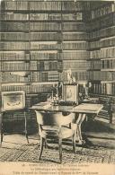 BIBLIOTHEQUE DU CHATEAU DE COMBOURG - Bibliothèques