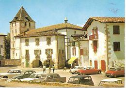 SARE - La Place Du Fronton - Europ 1766 - Tamponnée La Rhune - Vierge - Tbe - Très Belles Voitures - Sare
