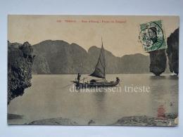 VIETNAM INDOCINA INDOCHINE FRANCE TONKIN Baie D'Along Passe Du Crapaud Boat Fisherman Old Postcard - Vietnam