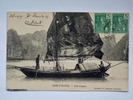 VIETNAM INDOCINA INDOCHINE FRANCE TONKIN Baie D'Along Jonque Boat Fisherman Old Postcard - Viêt-Nam