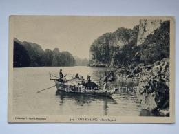 VIETNAM INDOCINA INDOCHINE FRANCE TONKIN Baie D'Along Port Bayard Boat Fisherman Old Postcard - Vietnam