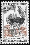 Timbre Du Niger ( République ) De 1959 à 62   '   Yvert  N° 105  '    50 F.  Autruches - Niger (1960-...)