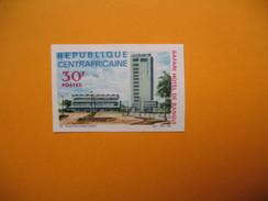 Timbre Non Dentelé  N° 82  Inauguration De L'Hôtel Safari  1967 - Central African Republic