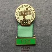 Badge (Pin) ZN005819 - Volleyball CSSR Czechoslovakia Prague (Praha) World Championship For Men 1966 TISK - Volleyball