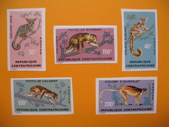 Timbre Non Dentelé  N° 150 à 154  Singes  1971 - Central African Republic