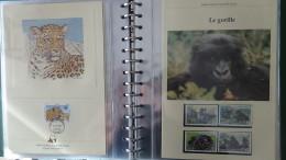 Belle Collection 1/4 Philatélique En étui Du WWF Dont Timbres **, Enveloppes 1er Jour, Cartes Maximums... Pas Commun !!! - Stamps