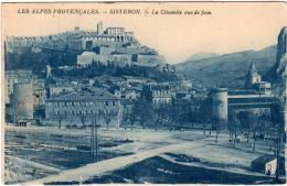 3ΩΦ 1O31. SISTERON - LA CITADELLE VUE DE FACE - Sisteron