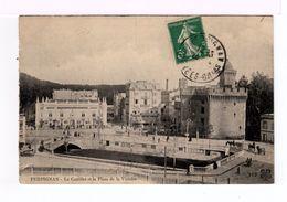 Perpignan. Le Castillet Et La Place De La Victoire. Avec Voitures à Chevaux. (1992r) - Perpignan