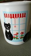 TASSE MUG Faïence - CHAT à La Fenêtre - CAT-  Sérigraphie - MADE IN ENGLAND - Ceramics & Pottery