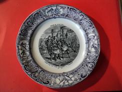 VIEILLE ASSIETTE PARLANTE HISTOIRE DE JEANNE D ARC N° 10. GIEN - Assiettes