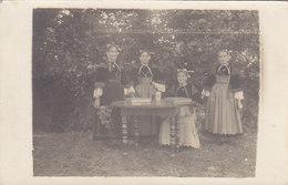 GUEMENE Sur SCORFF : Une Tablée  - Très Rare Carte Photo ( Costumes De....) - Guemene Sur Scorff