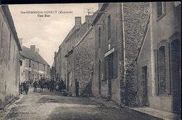 Sainte Gemmes Le Robert 53 (225) Une Rue - Autres Communes