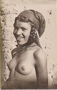 AFRIQUE DU NORD  Type De Femme  éditeur COMBIER N° 1509 - Afrique Du Nord (Maghreb)