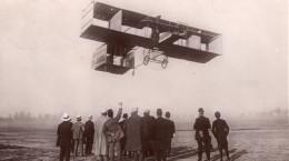 Aviation Leon Delagrange En Vol Issy Les Moulineaux Ancienne Carte Postale CPA Marque Rose 1908 - ....-1914: Precursors