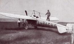 France Aviation Jules Vedrines Sur Monoplan Bleriot La Vache Ancienne Carte Postale CPA Vers 1914 - ....-1914: Precursors