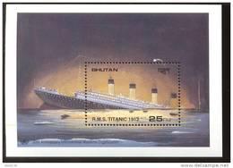 MINT NEVER HINGED SOUVENIR SHEET OF SHIPS ; TITANIC     ( BHUTAN   750 - Barcos
