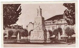 CPA -02 - SOISSONS -Place Centrale - Monument Aux Morts - - Soissons