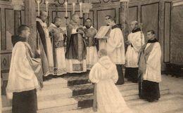 RELIGION CHRISTIANISME LE DIACONAT  L'EVEQUE LA MAIN DROITE TENDUE INVOQUE L'ESPRIT-SAINT - Christianisme