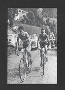 SPORTS - SPORT CYCLISME  VÉLO  SOUVENIR DU TOUR DE FRANCE EN ?? NOMS DES COUREURS INCONUS - Cyclisme