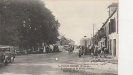 - CPA - 91 - LA FOLIE BESSIN - L'Auberge Et La Route D'Orsay - Pli Et Trou Au Centre - 028 - Frankrijk