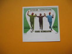 Timbre Non Dentelé  N° PA 91  La Grande Réconciliation    1970 - Centrafricaine (République)