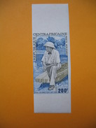 Timbre Non Dentelé  N° PA 135  Centenaire De La Naissance Du Dr. Schweitzer  1975 - Centrafricaine (République)