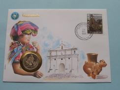 OMSLAG / ENVELOPPE Met MUNT / COIN 25 Centavos 1988 : Afstempeling 1990 & United Nations 1989 ( Voir Photo ) ! - Guatemala