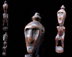 Ancienne Figure De Bornéo / Borneo Vintage Figue - Sculptures