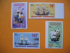 Timbre Non Dentelé   N° PA 33 à 35  Navires D'Autrefois  1965 - Gabon