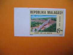 Timbre Non Dentelé   N° 559  Pont De La Sofia  1975 - Madagascar (1960-...)