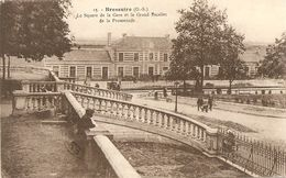 Cpa Bressuire Square De La Gare - Bressuire