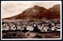 A8168 - Alte Foto Ansichtskarte - Cape Town And Devils Peak - Südafrika