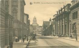 BRUXELLES - Rue De La Régence Et Palais Des Beaux-Arts - Avenues, Boulevards