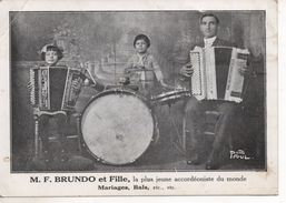 M.F BRUNDO ET FILLE - LA PLUS JEUNE ACCORDÉONISTE DU MONDE- PHOTO PAUL - ST AMBROIX - GARD - Publicidad