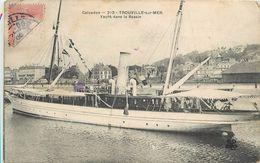 TROUVILLE - Yacht Dans Le Bassin - Voiliers
